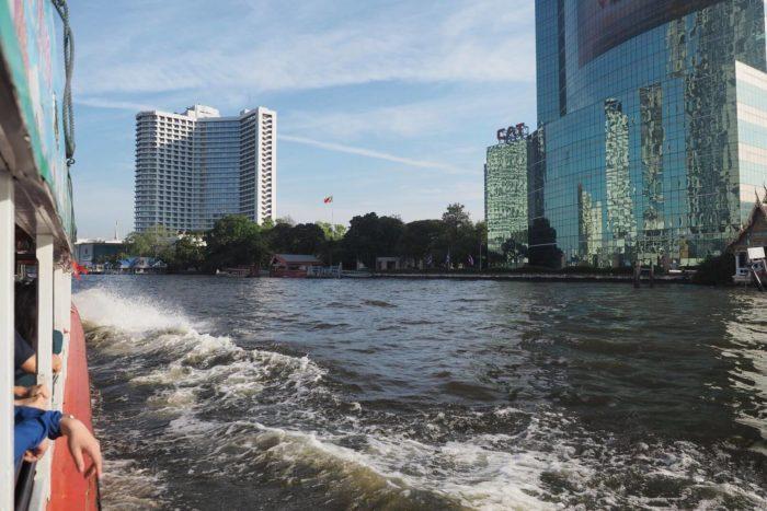 Cesta na lodi po Čao Praja Bangkok