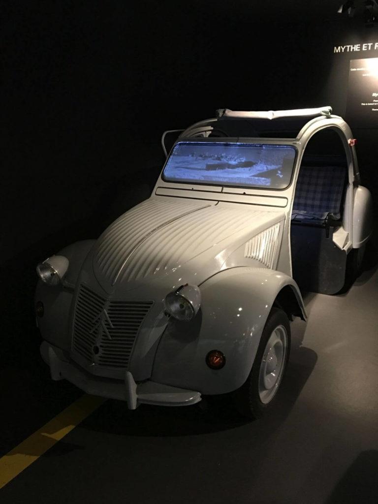 Auto z filmu četník a četnice