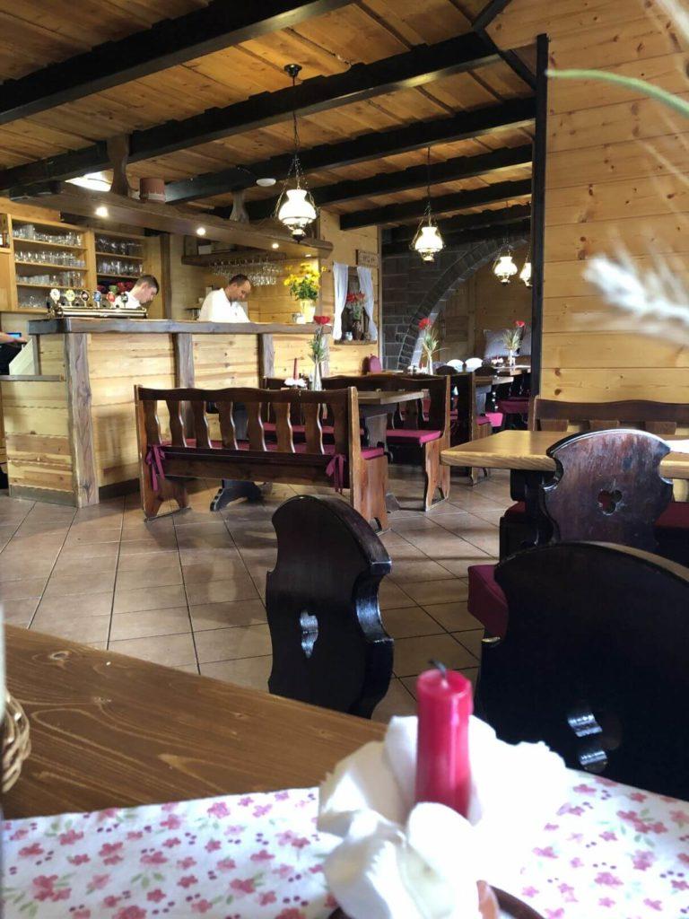 Restaurace Salaš interiér