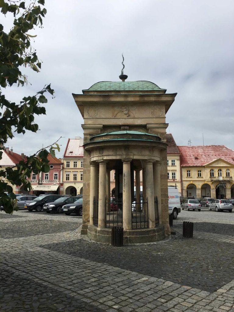 Jičín stavby