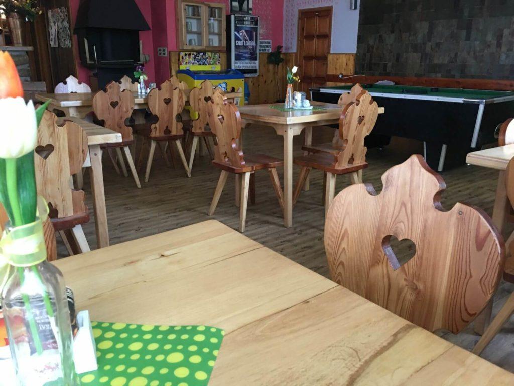 Uvnitř restaurace Hoštice