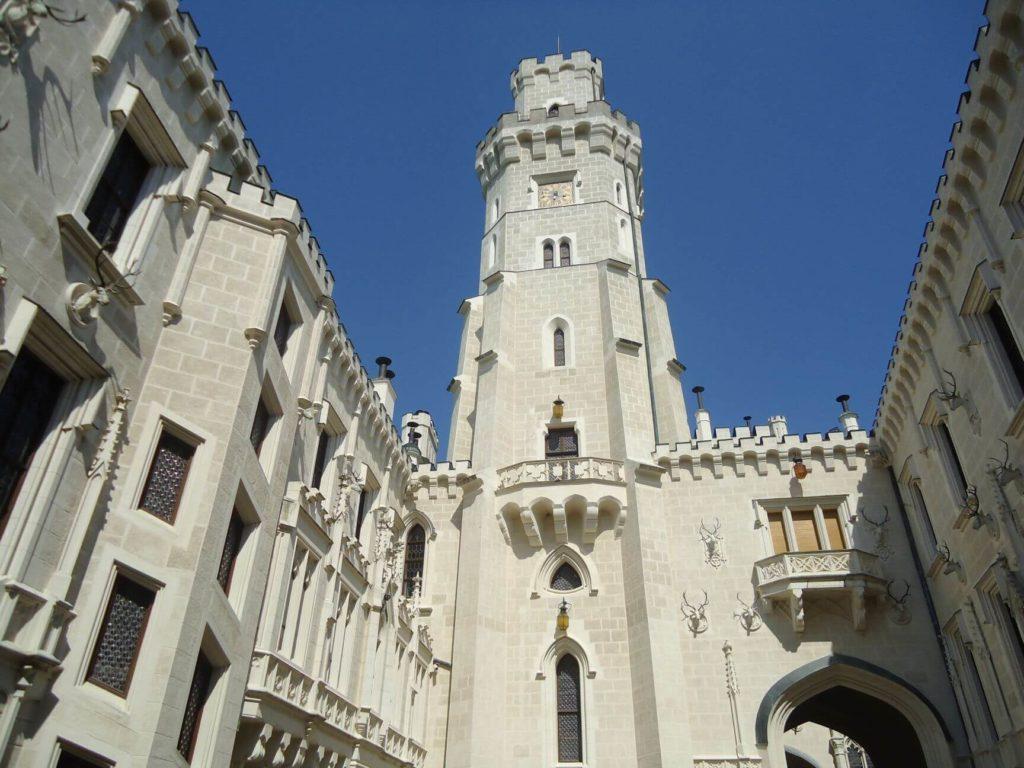 Uvnitř zámku - nádvoří