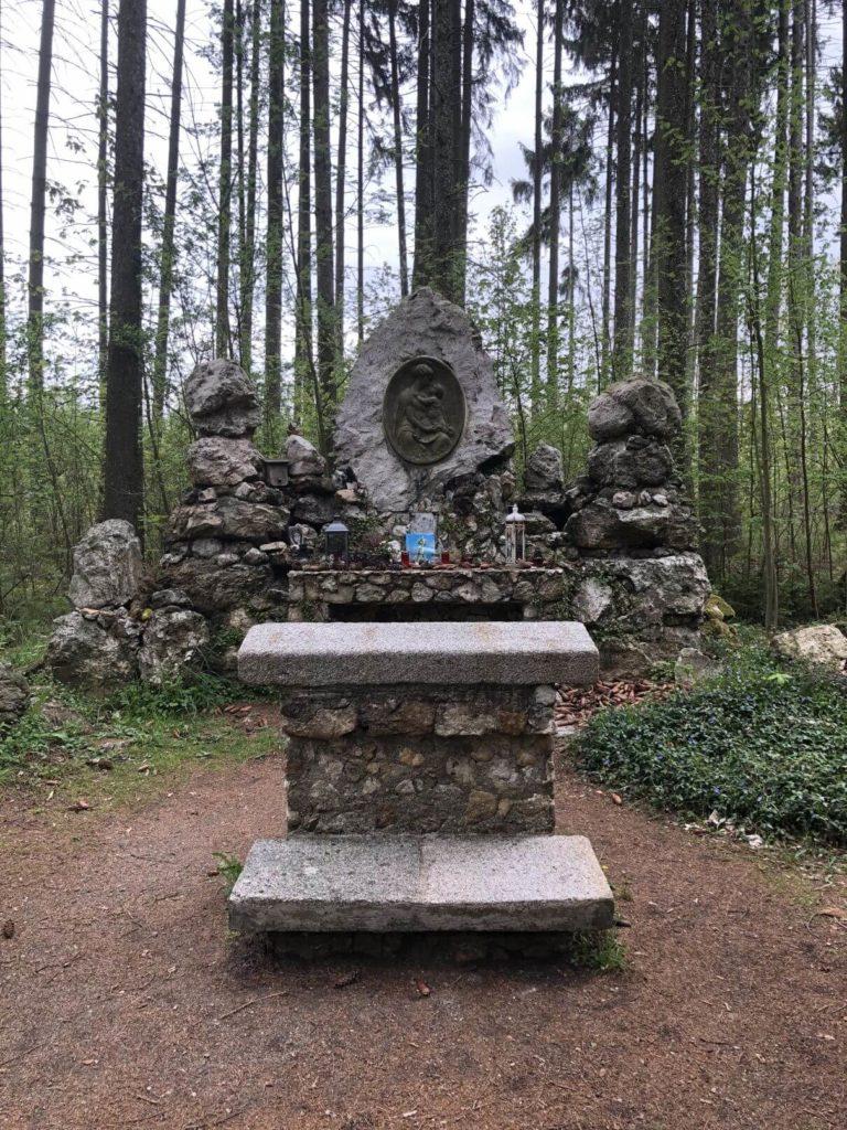 Lesní oltář