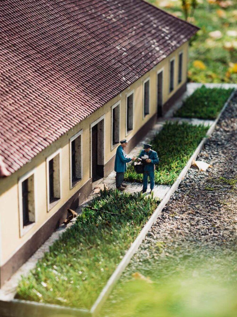 Miniatury - pošťák