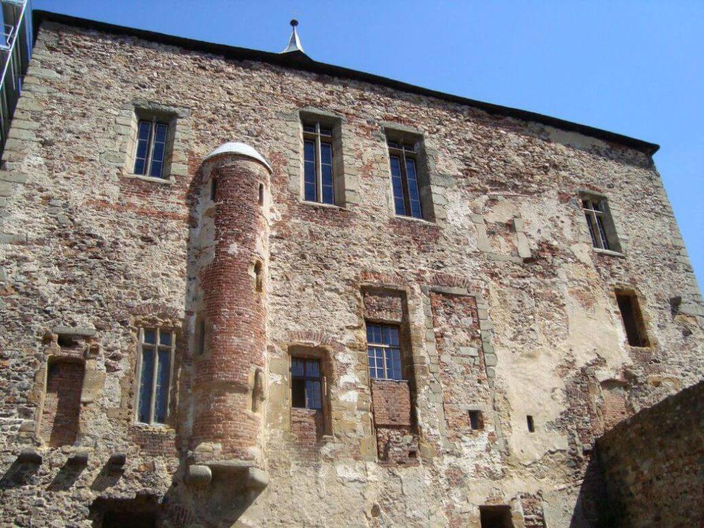 Točník palác