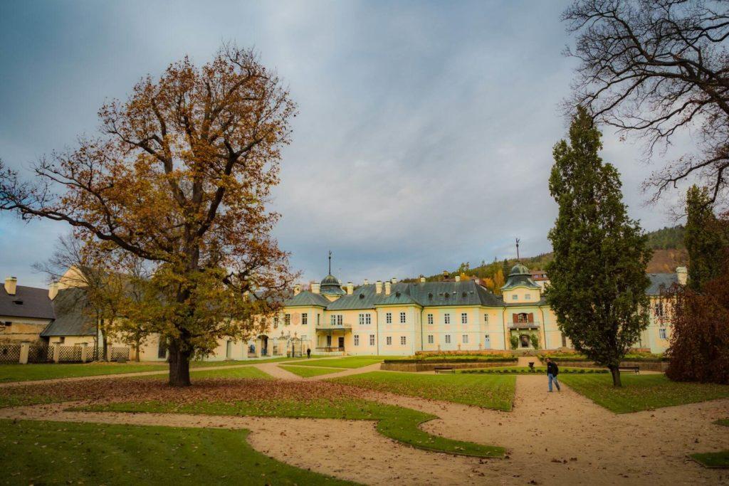 Manětín zámek