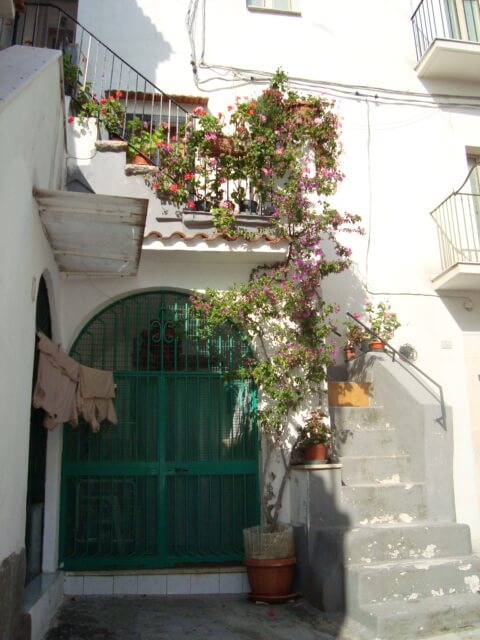 Bílé kamenné domy Rodi Garganico