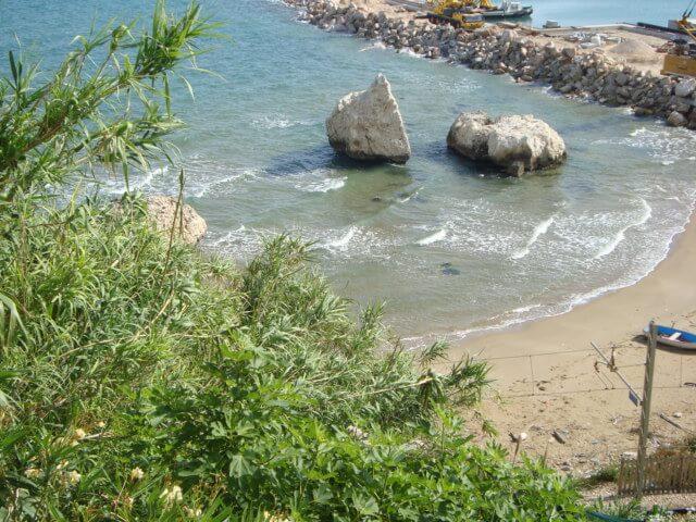 Kameny pláže Rodi Garganico