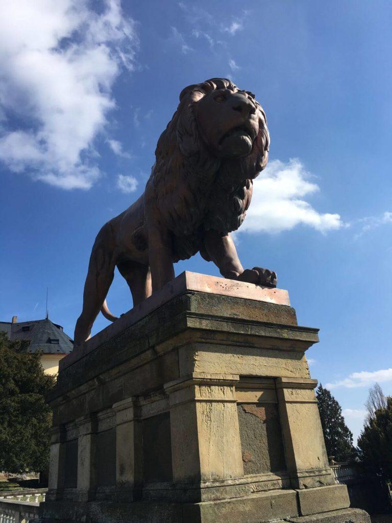 Zámek Zbiroh lev