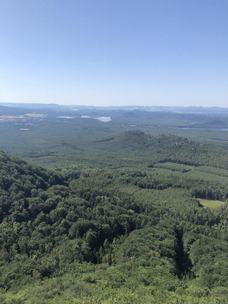 Výhled na Máchovo jezero