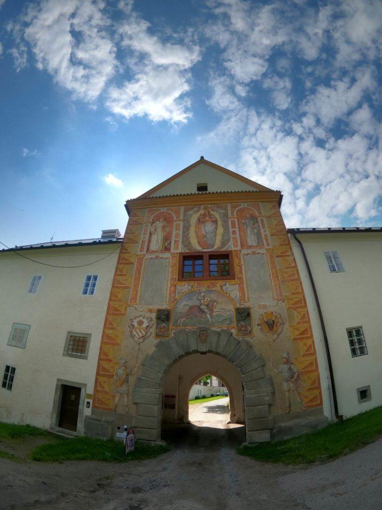 Vyšší Brod klášter vstupní brána