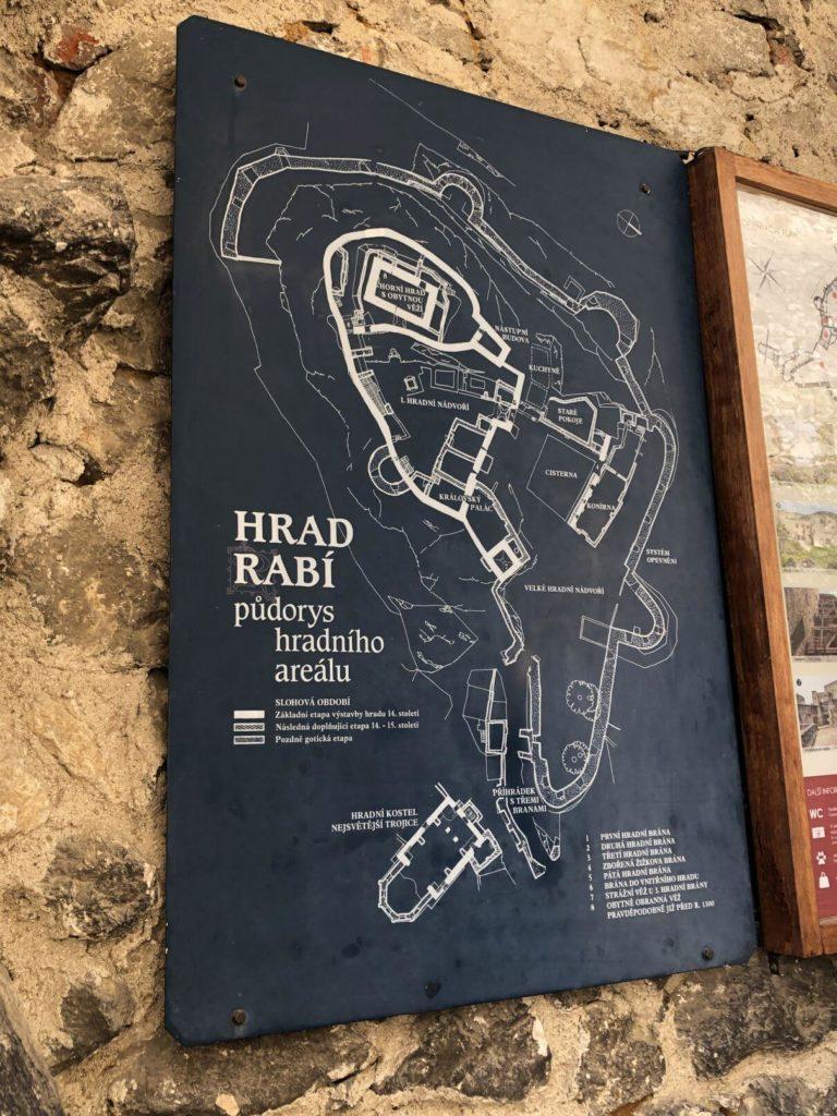 Plán hradu Rabí