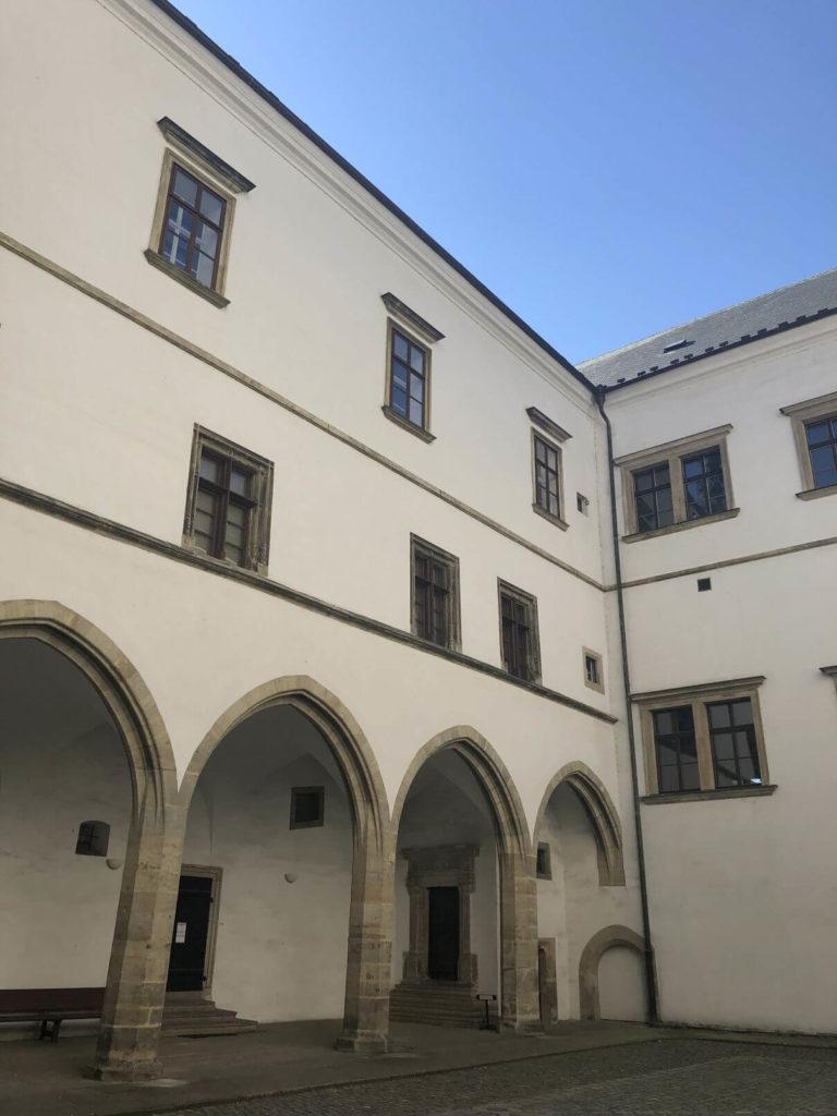 Nádvoří zámku Pardubice