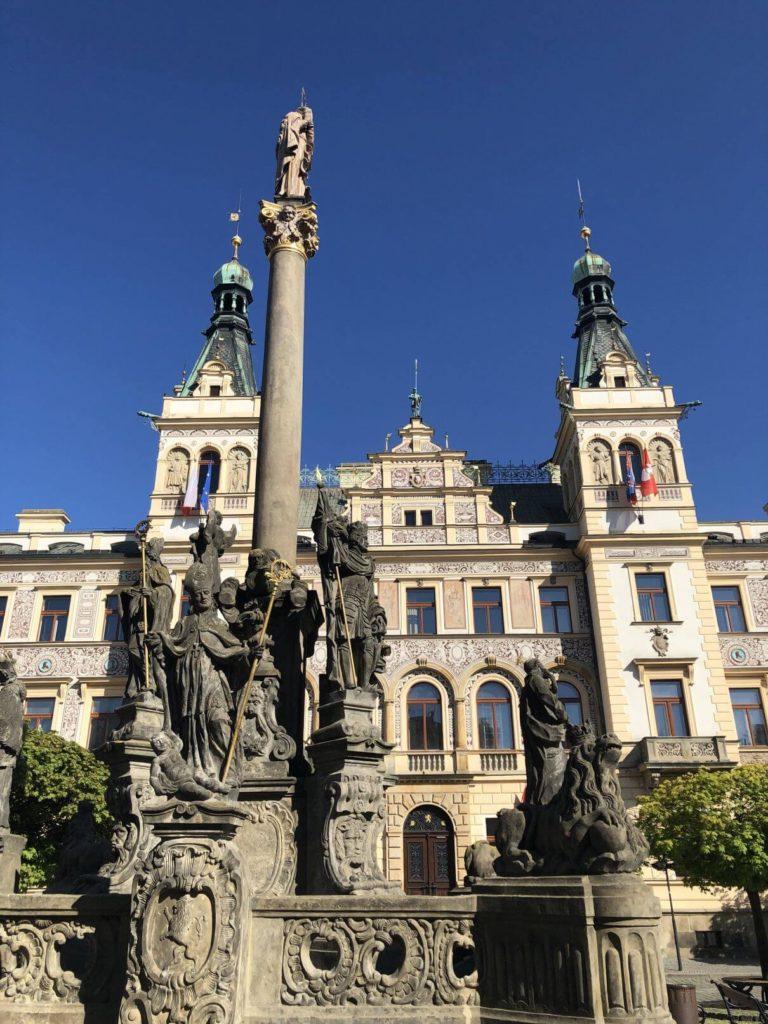Radnice a morový sloup Pardubice