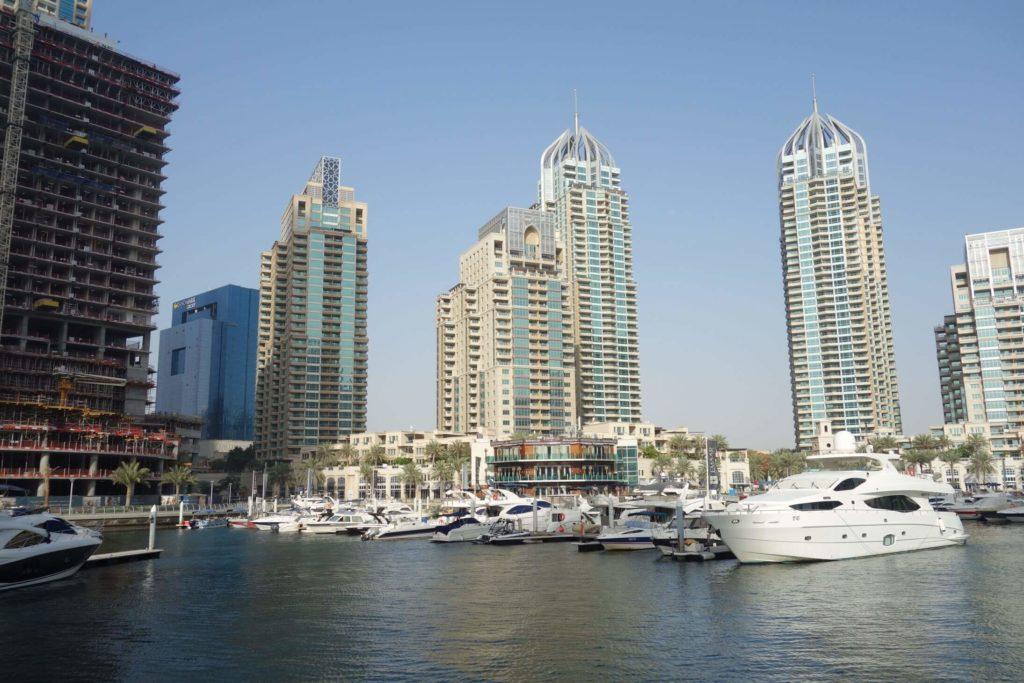 V Dubaj marina