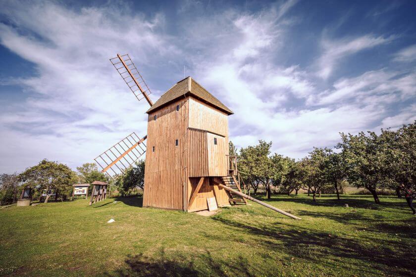 Větrný mlýn jižní Morava