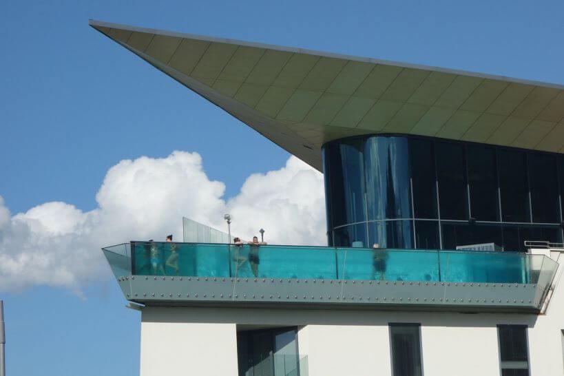 Průhledný bazén ve SPA