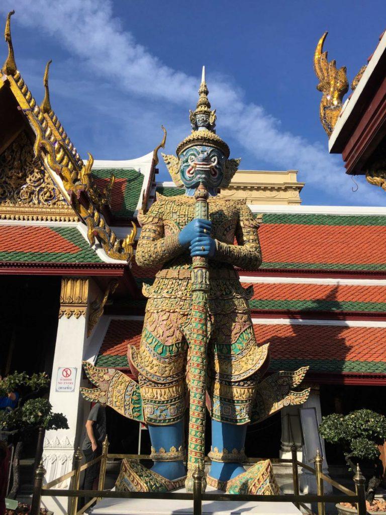 Sochy u Wat Phra Kaew
