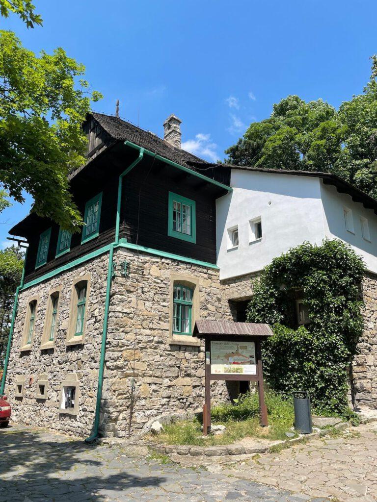 Hrstkova chata