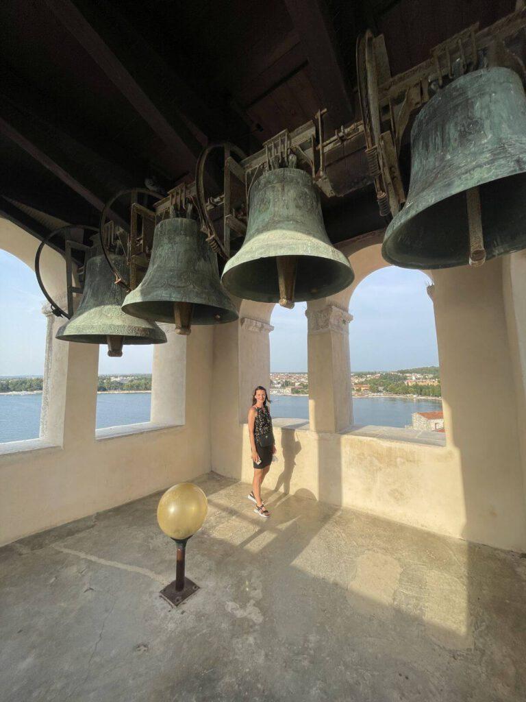 Pod zvony