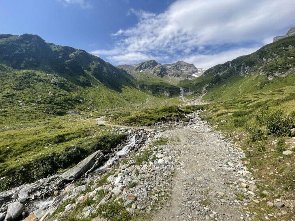 Cesta údolím